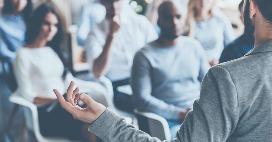 Naar een andere aanpak van leiderschapsontwikkeling: van business school naar Personal Learning Cloud